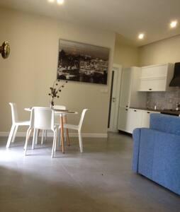 Brand new, luxury finished, seaside apartment (3)