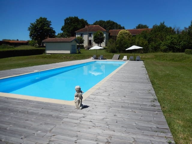 Unique lakeside, tranquil house - Lalanne-Arqué - Kabin