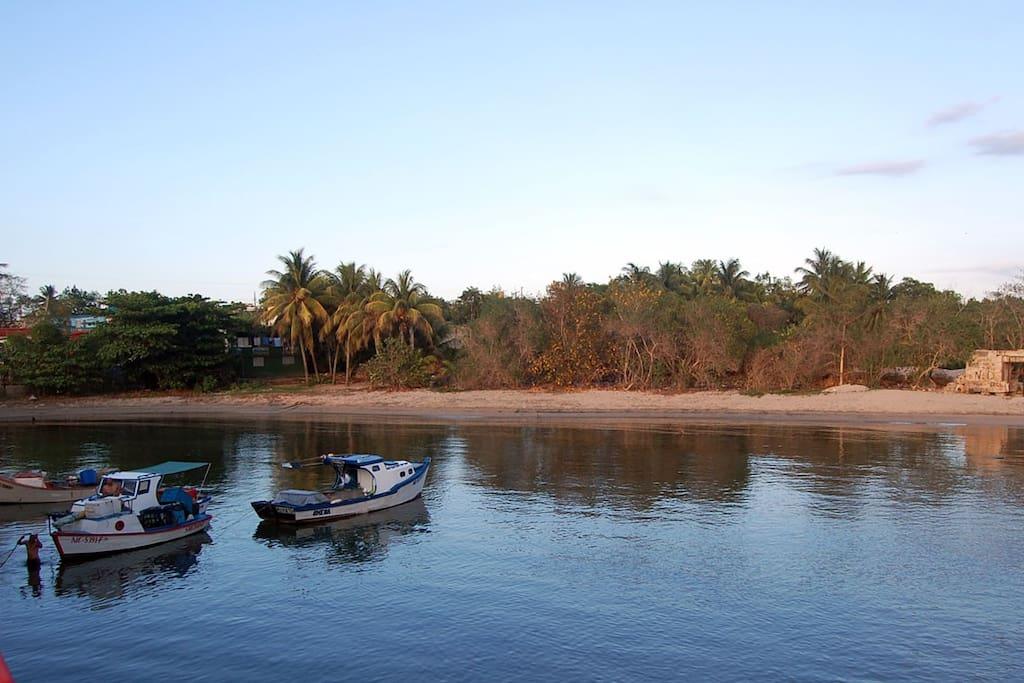 Hermosa vista de la bahía de Boca