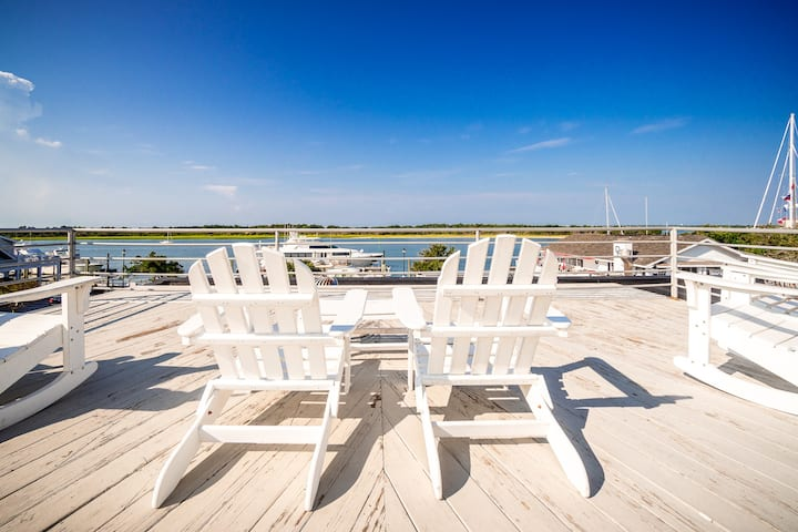 Why Knot Getaway - Rooftop with WaterView!