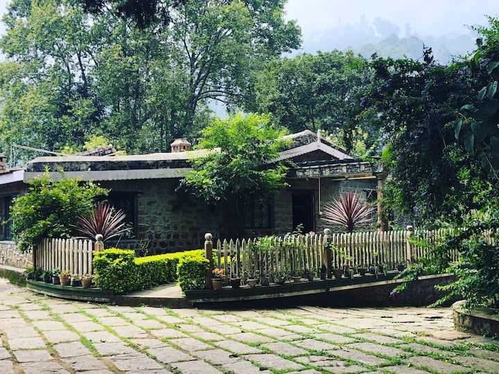 Stoole Durai Bungalow- Blue Room