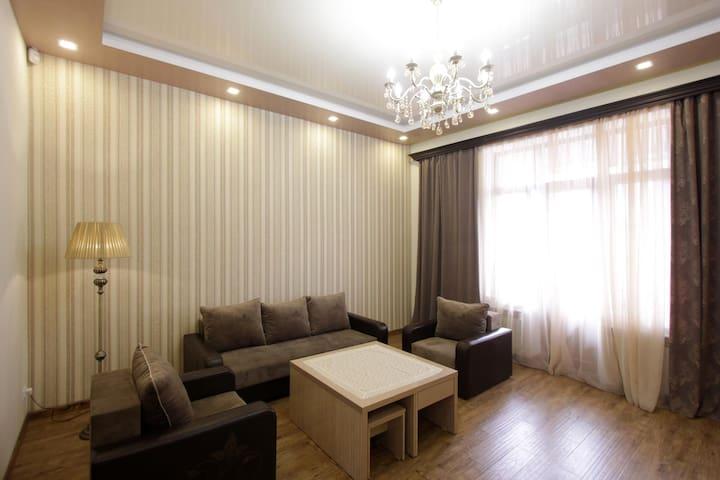 3 bedroom app, Mashtoc & Amiryan crossroad / MA444 - Ereván - Apartamento