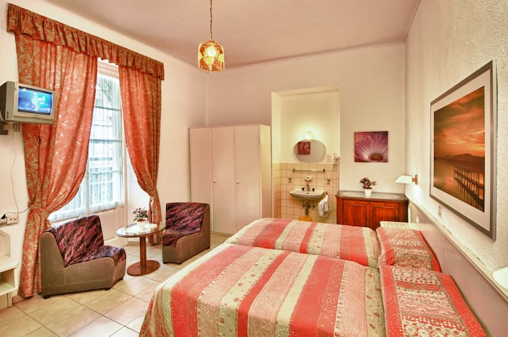 Dependance Piazza Grande - Double 1 - Locarno - Bed & Breakfast