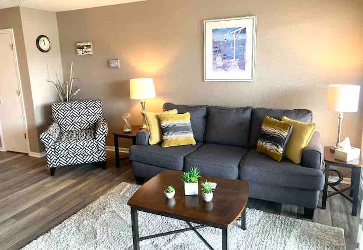 Relaxing & Lovely Osage Beach Lake View Condo!