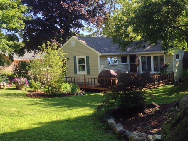 Charming Quiet house near Perkins Cove - Berwick - Σπίτι