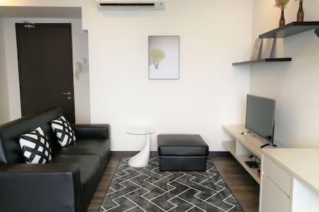 Landmark Residence 2 @ WiFi•원룸 #아파트 #깨끗한 집