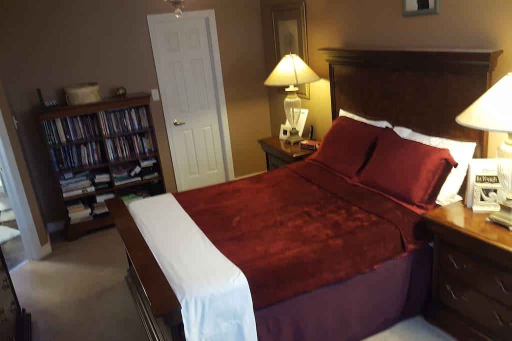 Master Bedroom         (Look 1)