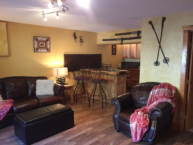 Ski in Ski out -- 2 Bedroom Condo - Taos Ski Valley - Kondominium