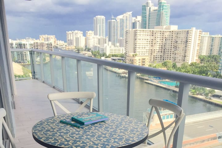 Spacious and Beautiful Place for Family Vacations - Hallandale Beach - Apartamento