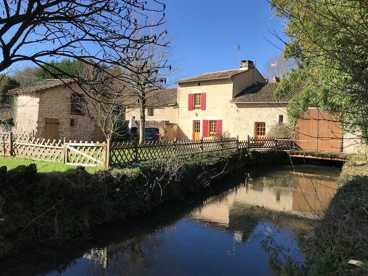Gîte dans le site enchanteur d'un ancien moulin