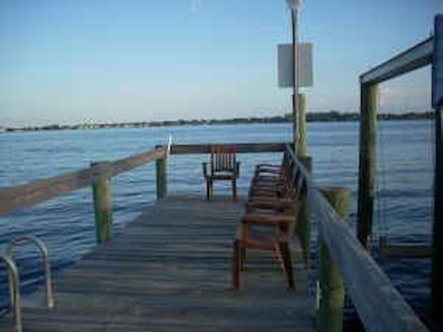 Monthly Vacation. Near beaches/town!  Stuart, FL