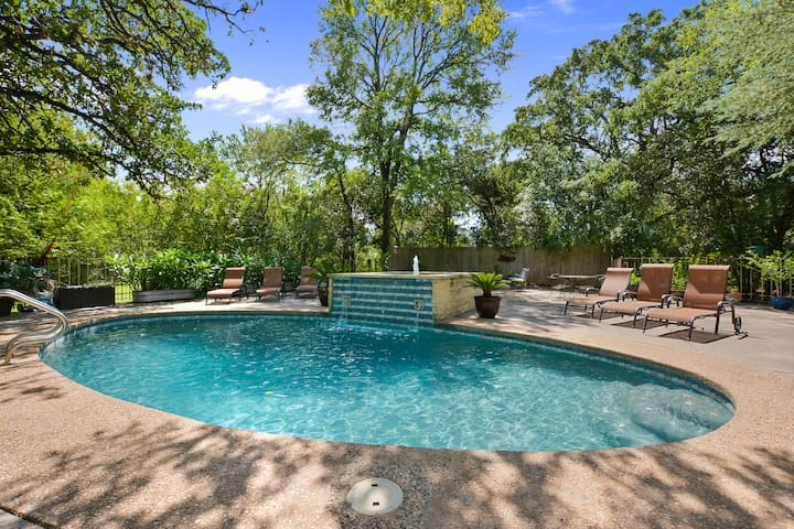 Spacious & Historic Oasis- Pool/Patio/Spa/Fire Pit