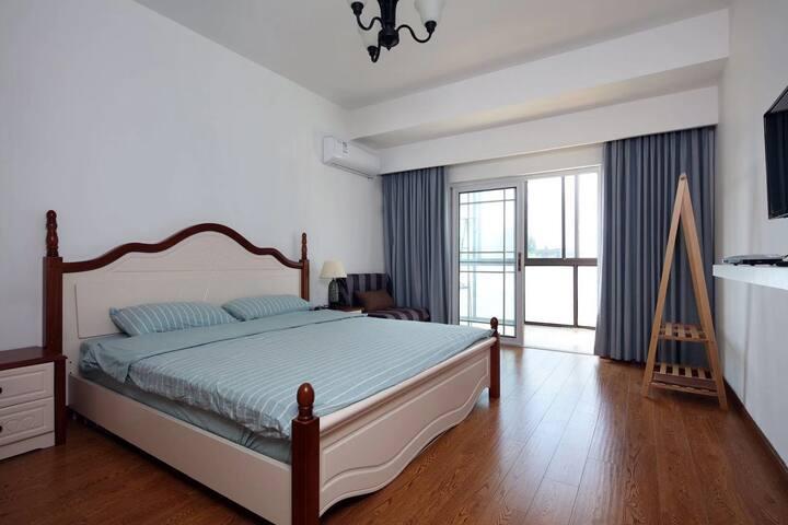 两楼大床房1