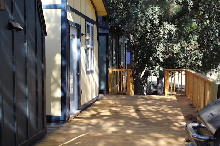 Charming Rustic Cabin #4