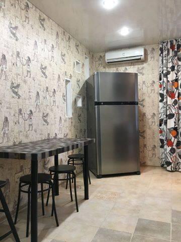 Однокомнатная уютная квартира, Shakhty