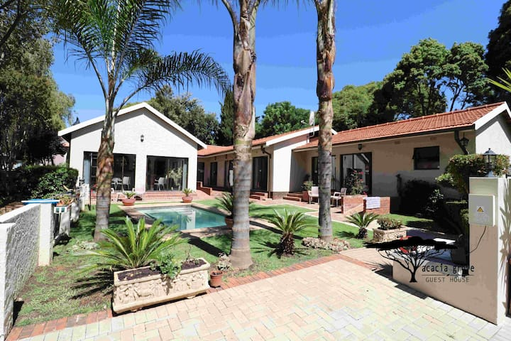 Acacia Grove Guest House (PTY) LTD - Self Catering