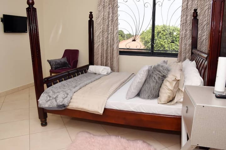 Trendy apartment-private bedroom