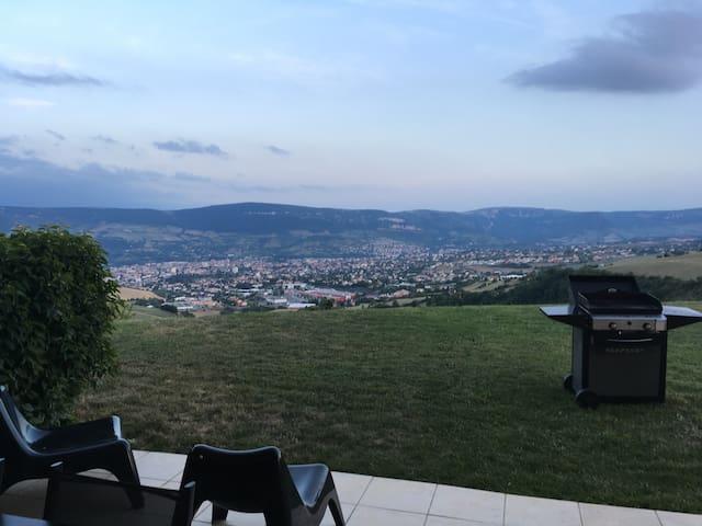 Chambre et sdb privée sur les hauteurs de Millau