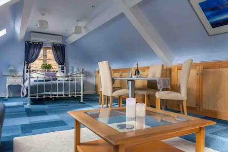 Relish Rooms - The Annex  5mins from Cadwell Park