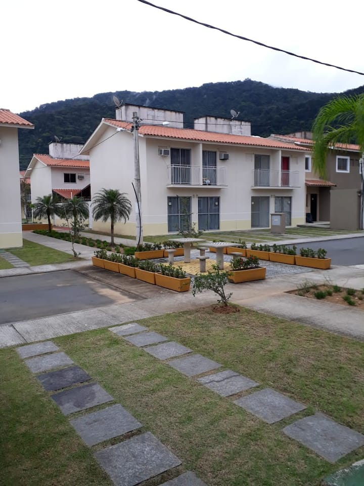Casa inteira hospedado por Marcelo e Mônica  Souza
