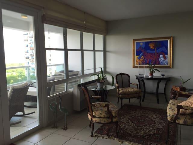 Plaza del Prado Condominium Apt 401 - Guaynabo - Huoneisto
