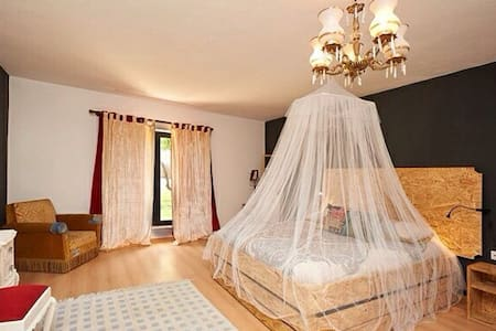 Ericeira  double room (1 extra bed) - Ericeira