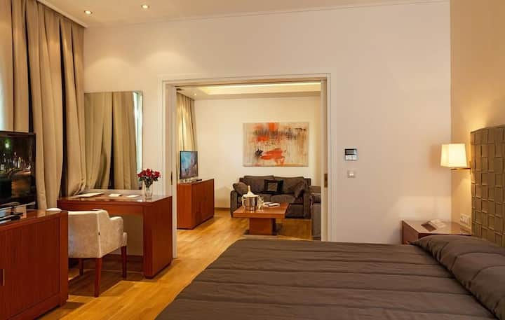 Grand Suite at Theoxenia Residence in Kifissia