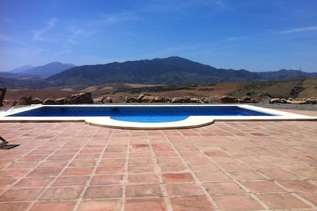 Traditional Country home, stunning views, + pool - Álora - วิลล่า