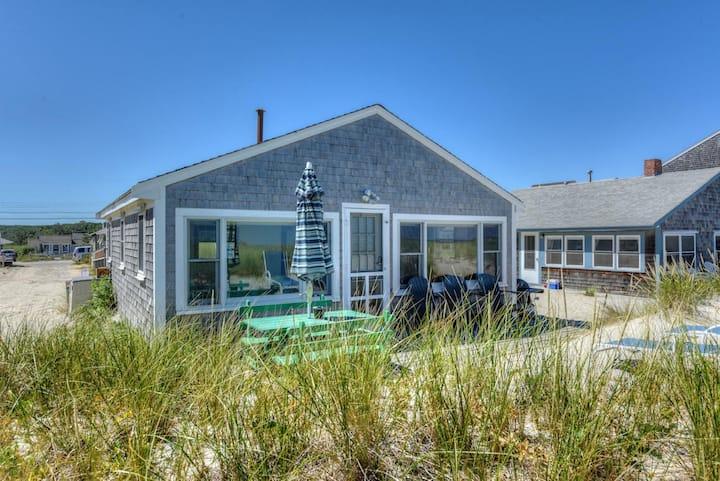 Oceanfront Cottage  East Sandwich