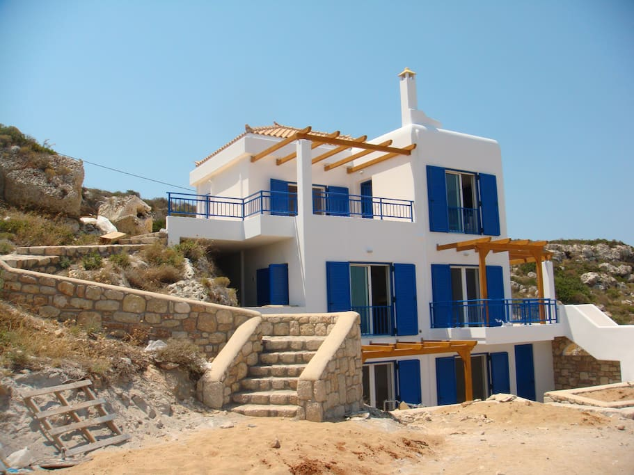 3 floors villa, floors can be rented separetely