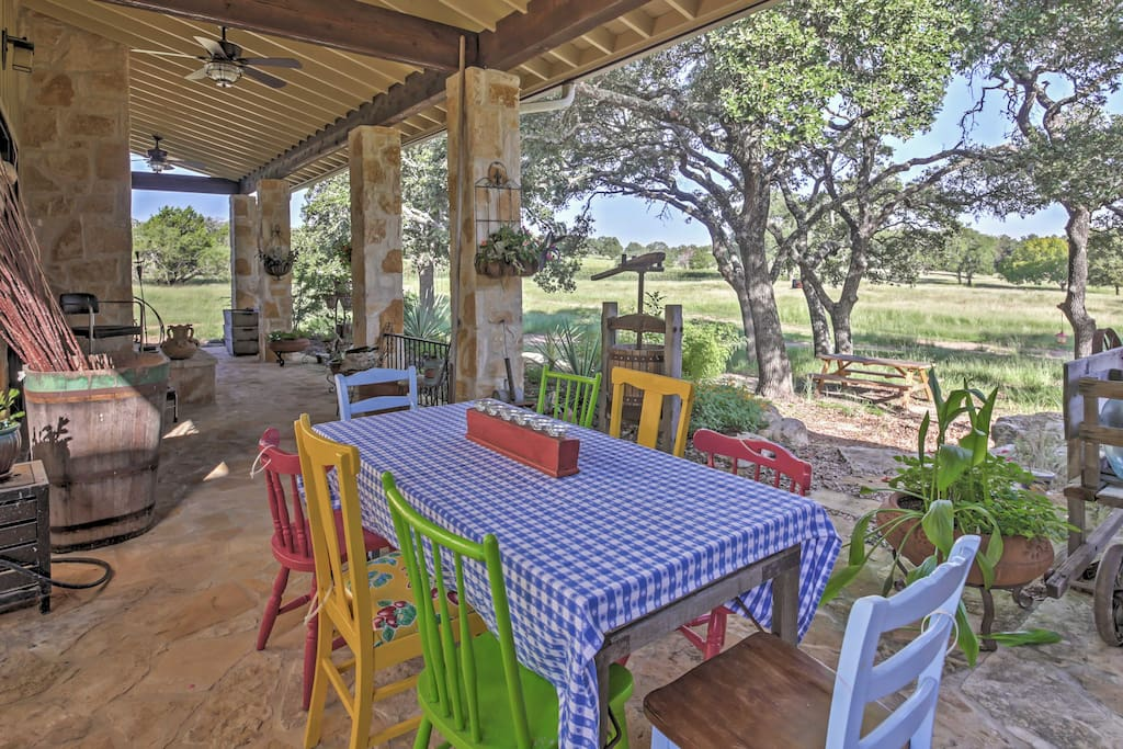 Gather around the outdoor table to enjoy a fully-prepared breakfast by the home's chef!
