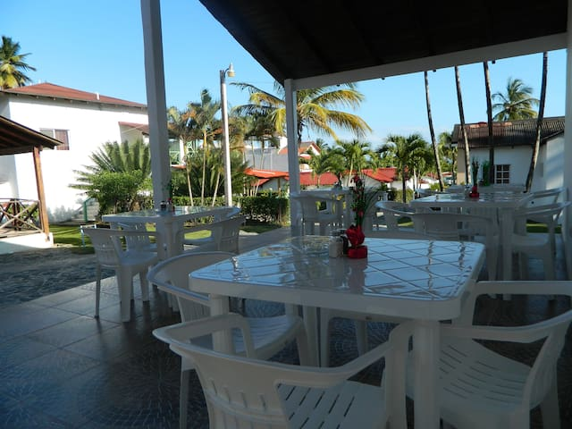 Suites & Rooms A & T Samana