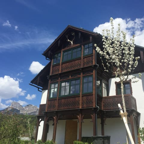 Luxurious hunting lodge with a fantastic view - Bad Aussee - Casa