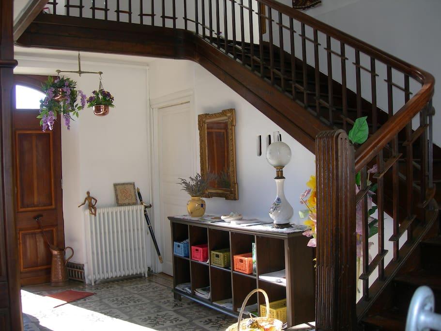 hall d'entrée et ses informations touristiques