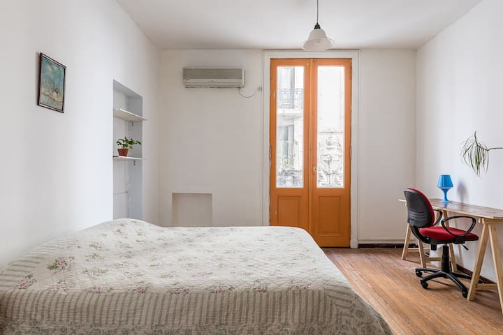 Big Room in Great San Telmo Flat