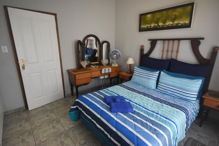 Shared accommodation, 1 bed, 2guest @ the beach