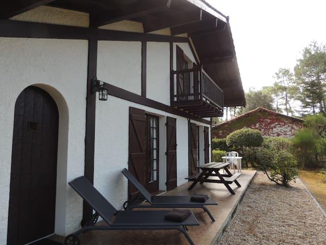 Typique maison landaise à Longarisse, proche lac