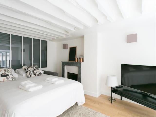 Tilava oma makuuhuone Helsingissä