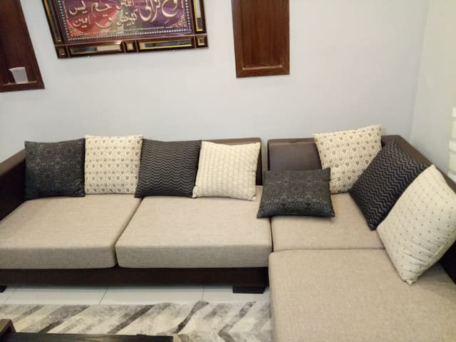 Brand new furnished apartment, VIP location.