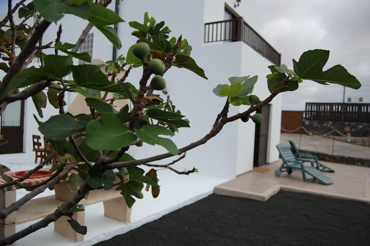 Villa Aurora Lanzarote - El Cuchillo - Casa