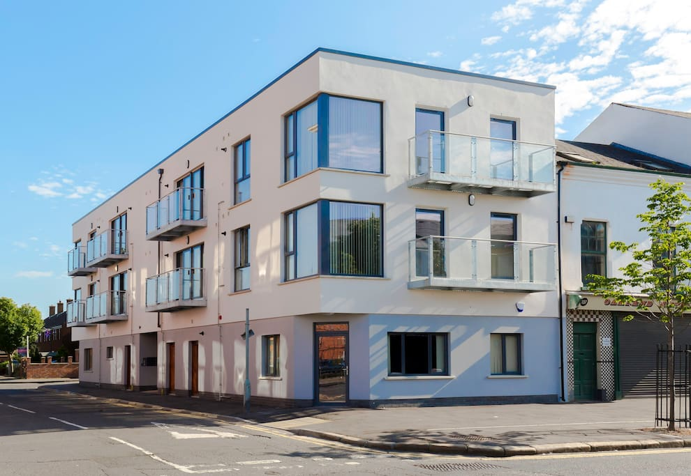 BT1 Apartments - Ivy House - Flats for Rent in Belfast ...