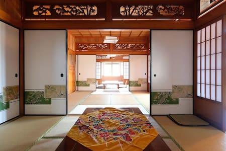 久米島一軒家貸切!全8室、最大26名宿泊可!BBQ可、グループや大家族歓迎!