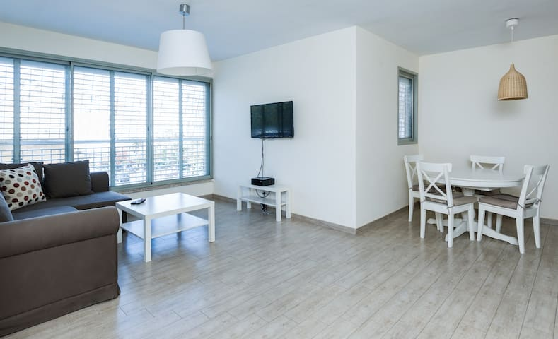 Two Bedroom Apartment - Petah Tikva - Petah Tikva