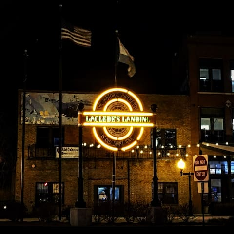 Laclede's landing is only a 12 minute walk from the apartment! So many fun bars and restaurants live here!