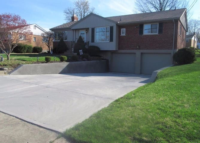 Quiet, Clean, Comfortable Home, near to downtown
