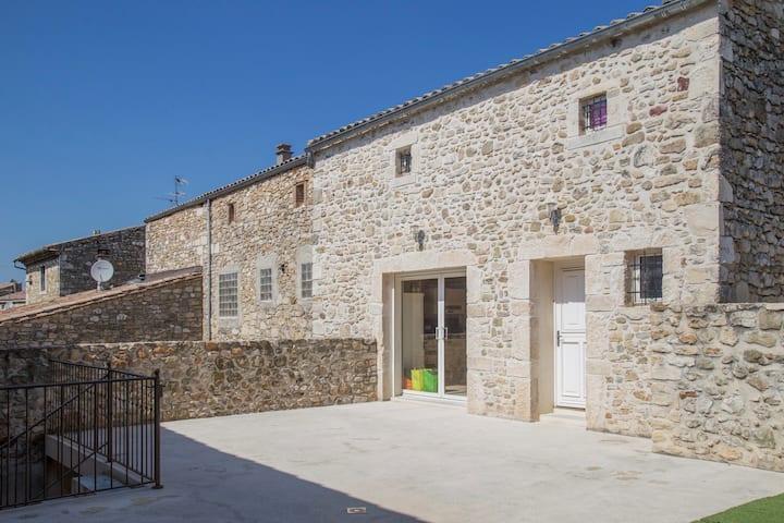 Maison en pierre Drôme provençale proche golf