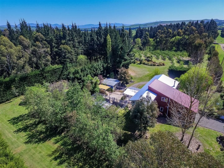 Mona Vale Country Escape