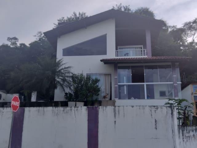 Quarto tranquilo 02 na cidade de Jaragua do Sul