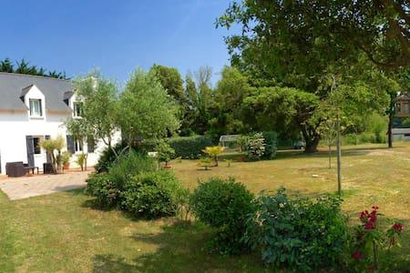 appartement indépendant dans jardin clos - La Turballe