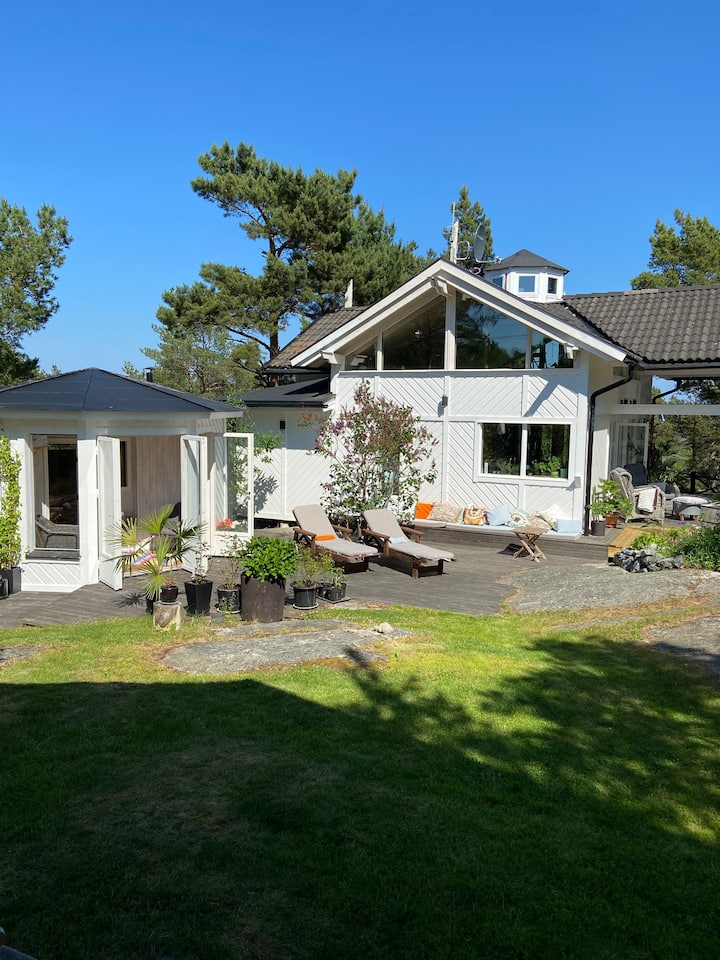Bright Holiday House in the Stockholm Archipelago